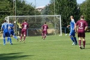 Úvodný gól stretnutia v Kunove strieľa Marián Černek (č. 3) už v 2. minúte zápasu.