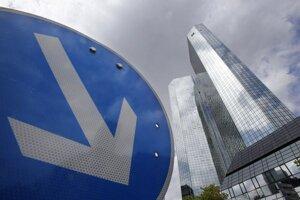 V sídle Deutsche Bank vo Frankfurte nad Mohanom zasahovalo približne 30 príslušníkov kriminálnej polície.