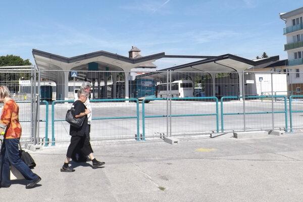 Pre verejnosť je prvá časť zmodernizovanej stanice stále zavretá.