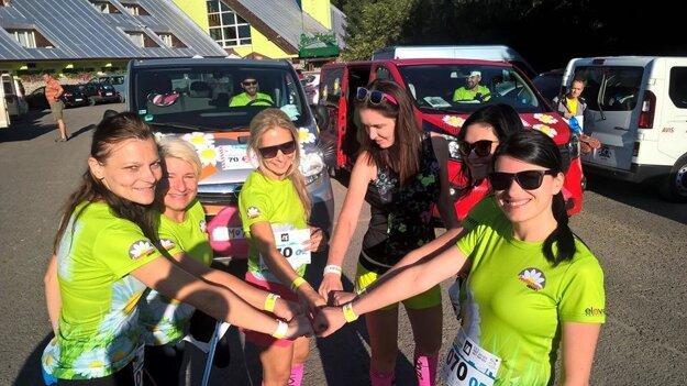 Spoločnými cieľmi zvládli dievčatá náročné preteky.