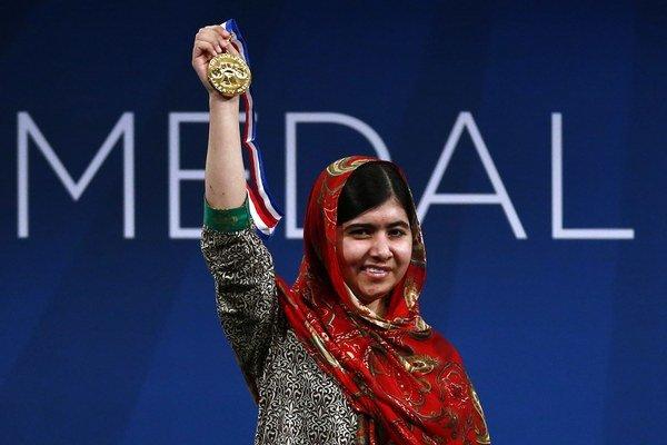 Malála Júsufzajová sa dostala do povedomia verejnosti v Pakistane vďaka svojmu boju za práva žien a dievčat na vzdelanie. V októbri 2012 ju preto v jej rodnom údolí Svát napadli ozbrojenci z Talibanu.