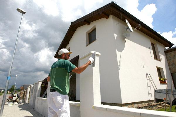 Platiť poplatok bude fyzická alebo právnická osoba, ktorej ako stavebníkovi vydali stavebné povolenie.  ILUSTRAČNÉ FOTO
