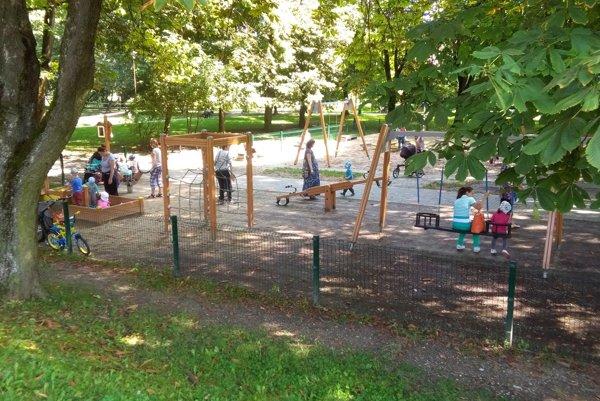 Taakýto pohľad na detské ihrisko bude o niekoľko dní minulosťou.