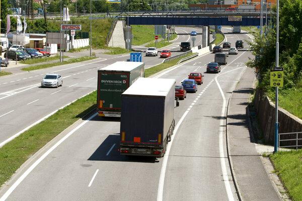O štúdii realizovateľnosti k rýchlostnej ceste R2 sa sporili prievidzsská radnica s Národnou diaľničnou spoločnosťou. Problém už vyriešili.