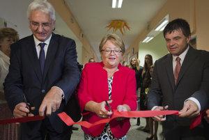 Minister školstva, vedy, výskumu a športu SR Peter Plavčan slávnostne otvoril nový školský rok a prístavbu Základnej školy M. R. Štefánika v Ivanke pri Dunaji.