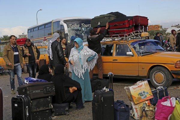 Žiadosť o vycestovanie podalo 15-tisíc Palestínčanov.
