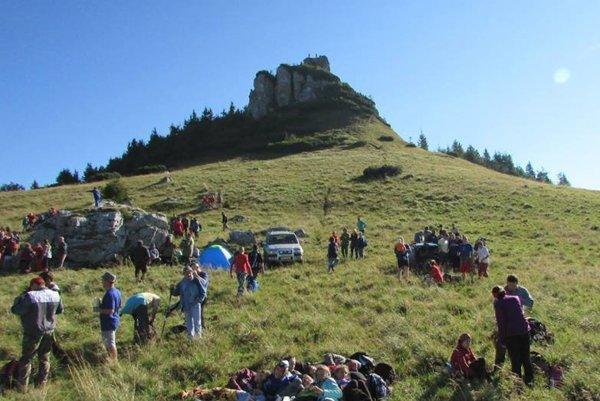Túry na 1532 metrov vysoký vrch Veľkej Fatry sa zúčastnilo cez 400 ľudí.