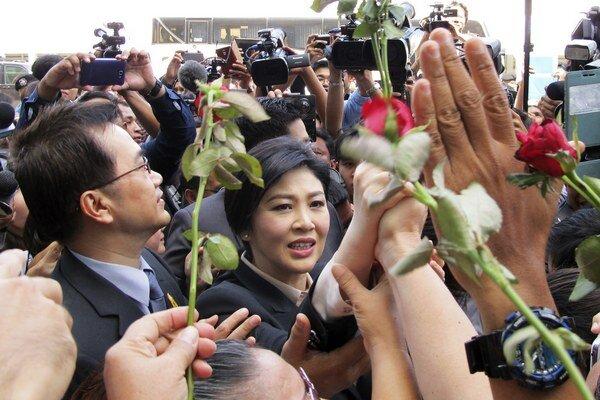 V prípade uznania viny hrozí Jinglak Šinavatrovej až desať rokov väzenia.