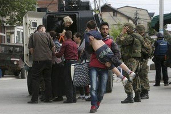 Obyvateľov z Kumanova museli pre teroristickú operáciu evakuovať.