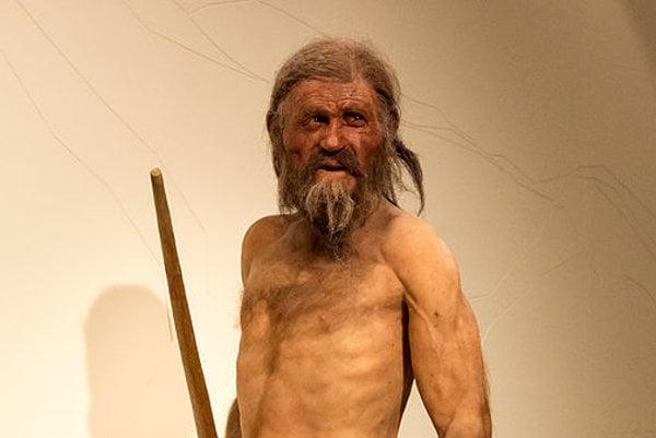 Ötziho naturalistická rekonštrukcia v Juhotirolskom  archeologickom múzeu v Bolzane.