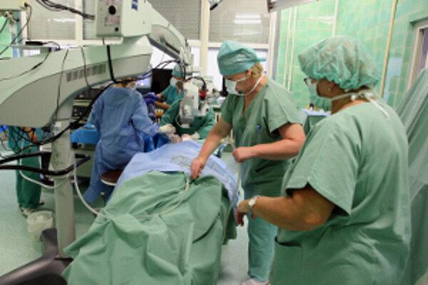 Úrad práce ponúka aj voľnú pracovnú pozíciu lekár - kardiológ.