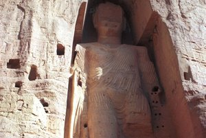 Najväčšiu sochu Budhu na svete zničil afganský Taliban vroku 2001.