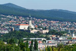 Najväčším hradom na Slovensku bol Nitriansky hrad.