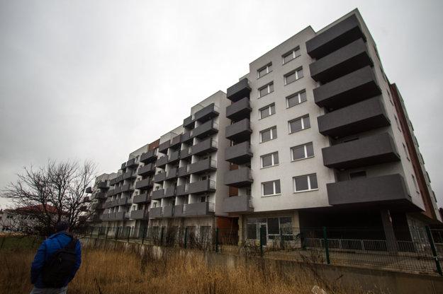 Bytovka Glance House v Bernolákove je prázdna.