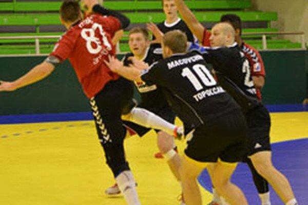 Hádzanári Topoľčian v Hlohovci tesne prehrali.