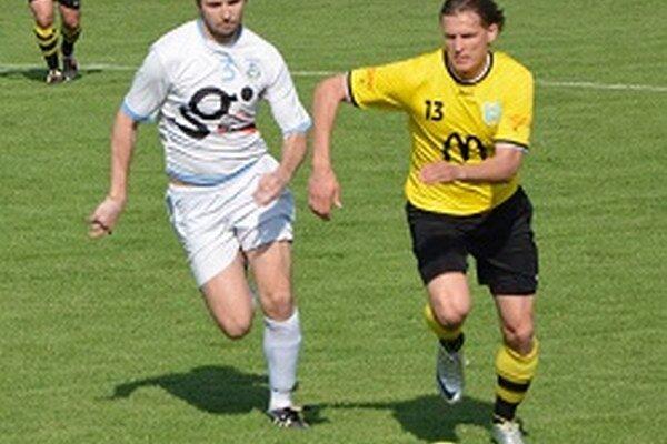 Obrana Krušoviec horela ako fakľa, Lapáš strelil sedem gólov.