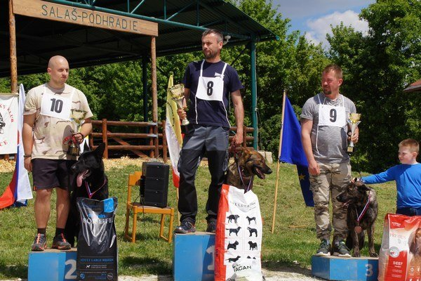 Víťazi vkategórii muži. Zľava: Ján Koprda, Radovan Gucky , Pavol Kuric.