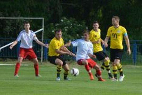 Solčany sa doma so sezónou lúčili prehrou 1:2 s Lapášom.
