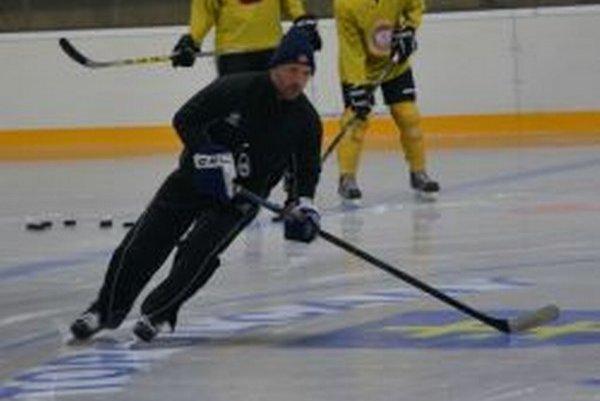 Tréner Topoľčian Ľubomír Hurtaj.