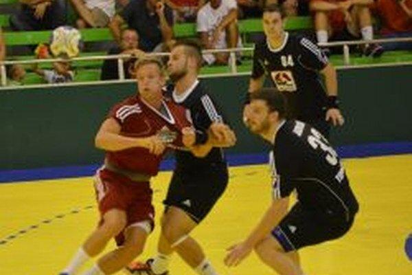 Hádzanári Topoľčian na úvod sezóne prehrali v Prešove o tri góly.
