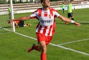 Mohamed Anis Lounis sa teší z prvého gólu v drese Topoľčian.