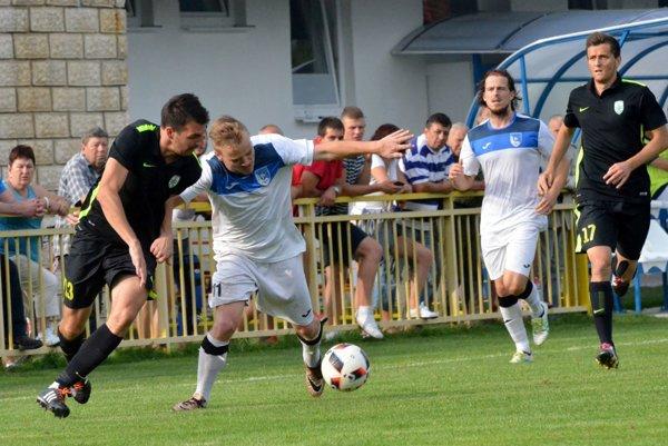Futbalisti Fomatu si po prehre proti Skalici napravili chuť na ihrisku Pohronia.