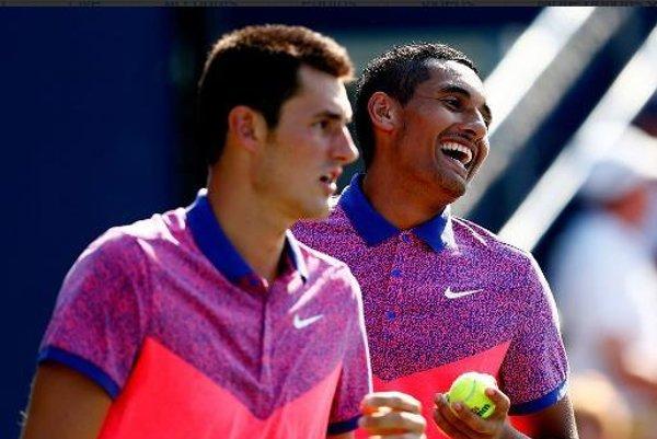 Tomic (vľavo) a Kyrgios sú na okruhu ATP neprehliadnuteľní. Najmä pre svoje správanie.