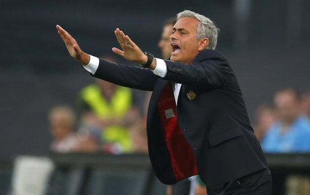 Mužstvo Josého Mourinha počas víkendu prehralo derby proti Manchestru City, teraz zaváhalo aj v Európskej lige.