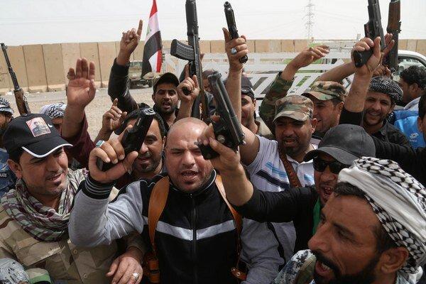 Šiitske milície oslavujú úspechy v Tikríte.