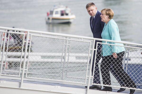 Premiér Fico a kancelárka Merkelová.