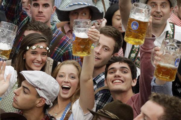 Začal sa 183.ročník Oktoberfestu. Prost!
