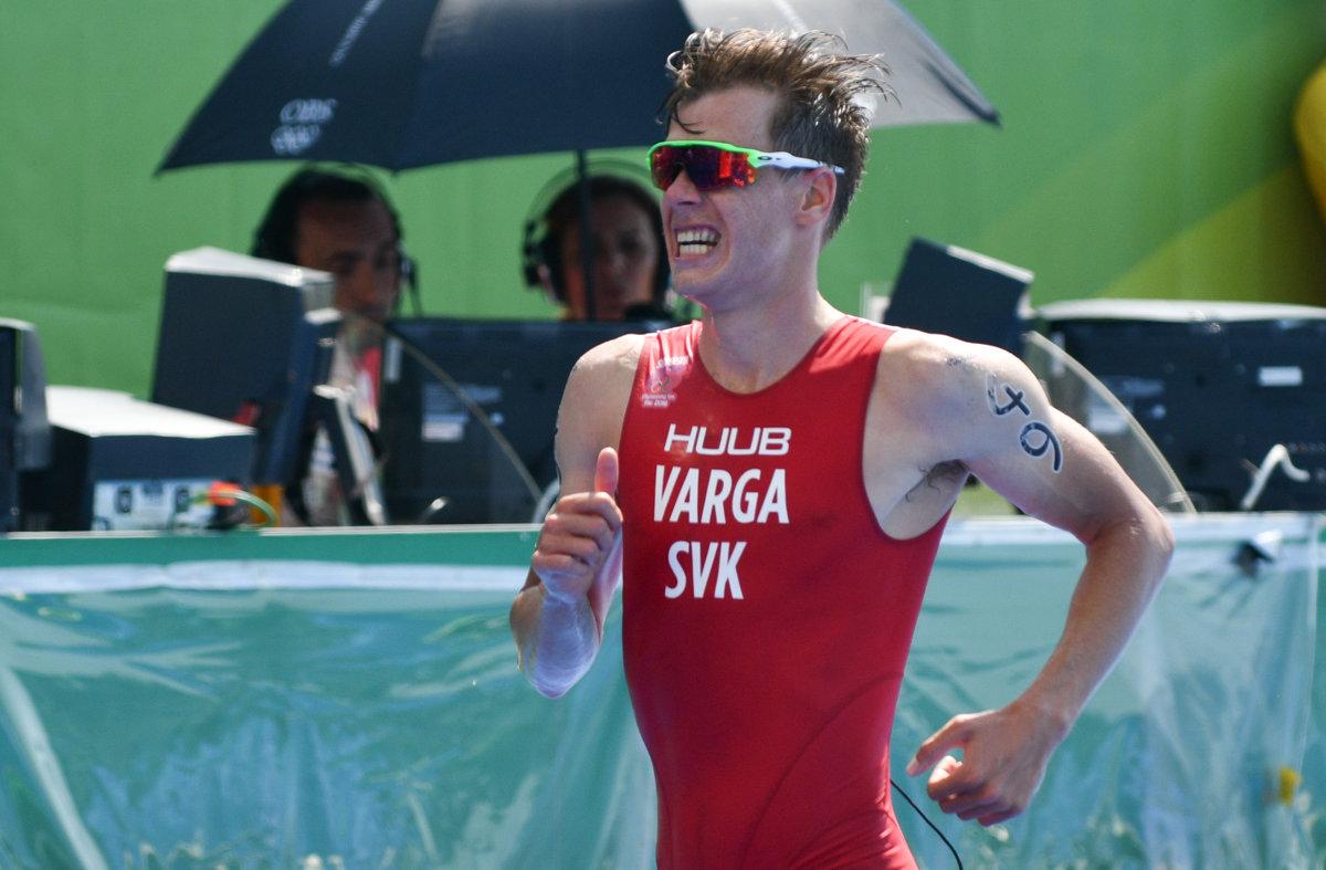 02980e051 Varga ovládol triatlon v Rusovciach, pomohol mu aj Nagy - Šport SME
