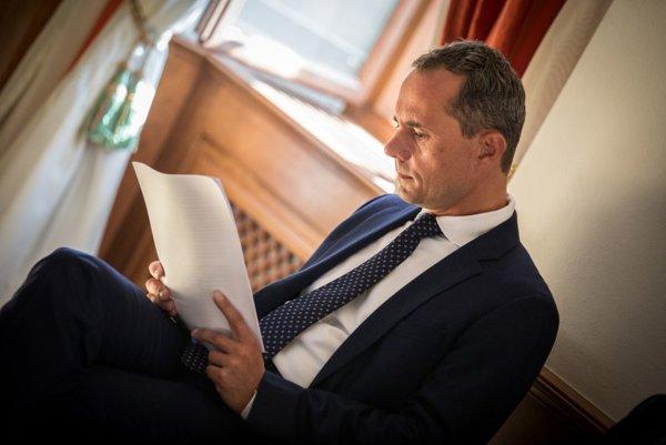 Radoslav Procházka počas zasadnutia Súdnej rady SR k voľbe kandidáta na post dodatočného sudcu Všeobecného súdu EÚ.