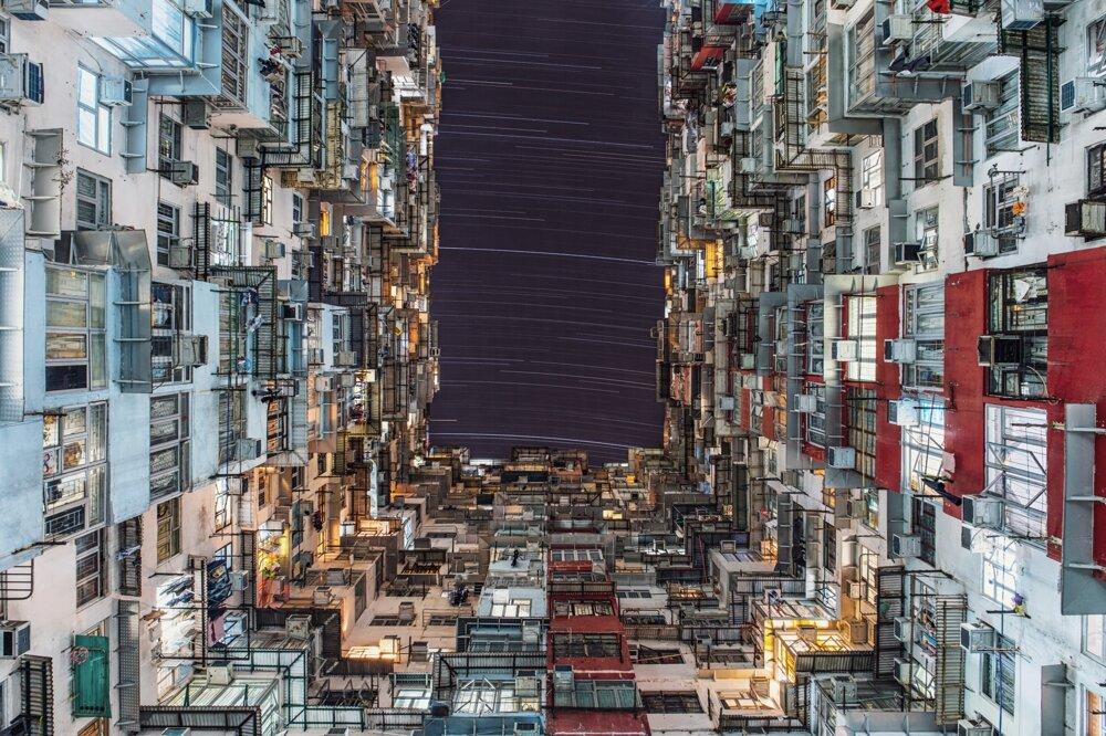 Mestské svetlá a hviezdy v Hongkongu – víťaz kategórie Ľudia a vesmír.