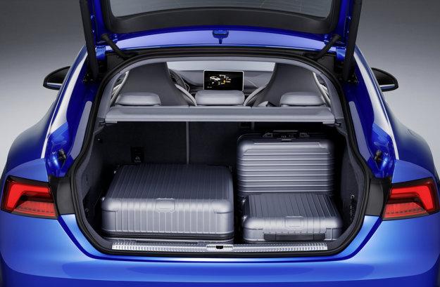 Batožinový priestor ponúkne objem 480 litrov