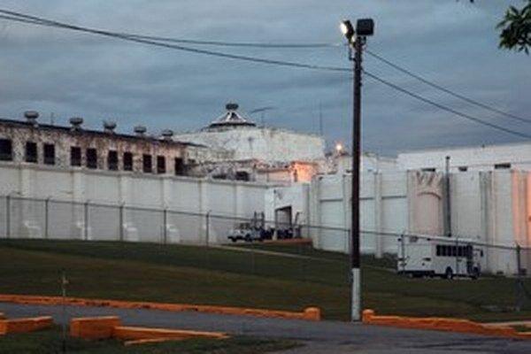 Najvyšší súd pozastavil popravy v štáte Oklahoma.