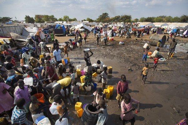 Konflikt vyhnal z domovov asi milión ľudí.