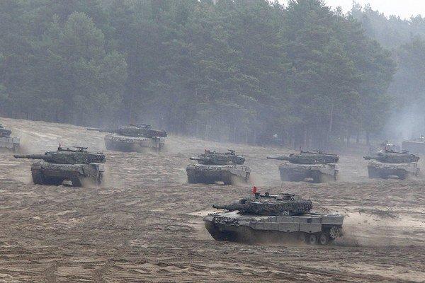 Británia sa zúčastnila aj vojenského cvičenia NATO na východe Poľska.