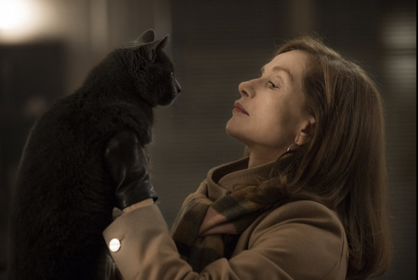 Isabelle Huppert stvára nepredstaviteľné veci v komediálnom trileri Elle.