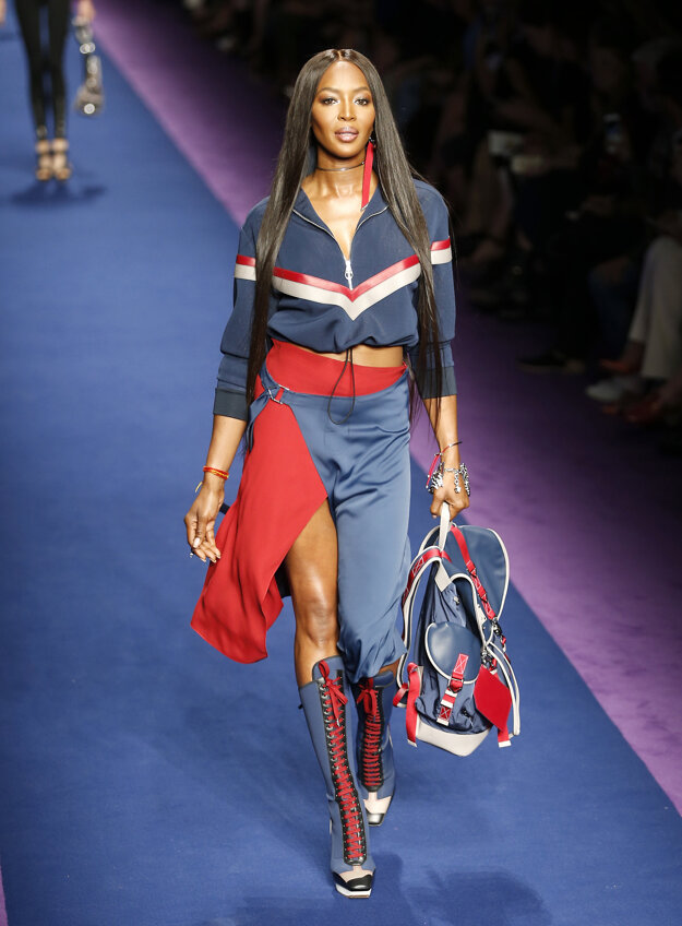 Naomi Campbell pre Versace