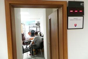 Do nového klientskeho centra sa presťahovali aj policajné oddelenia dokladov a dopravného inšpektorátu.