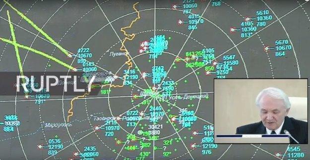 Rusko tento týždeň ukázalo zábery z radaru, na ktorých má zostrelené lietadlo rovný kurz.
