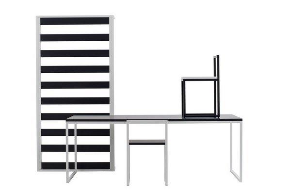 Kostra pozváraná z Jäklovho profilu do prísnej pravouhlej kompozície a drevená doska upravená matným lakom. AG Fronzoni uplatnil v návrhu nábytku Collezione '64 minimum návrhárskych prostriedkov.