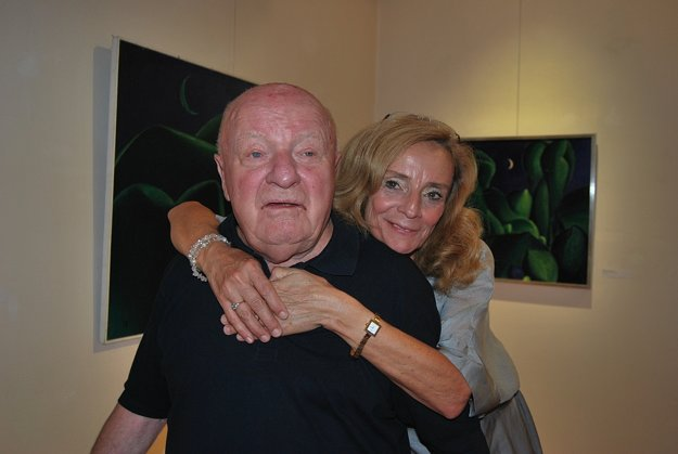 Vystavujúci autor Rudolf Moško s kurátorkou výstavy Danicou Lovíškovou.