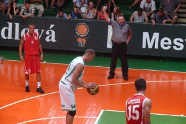 Prípravné stretnutie s ŠKP Banská Bystrica skončilo víťazstvom Handlovej 94:60.