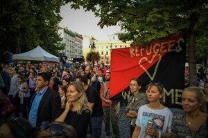 Ľudia prišli podporiť koncert na Hviezdoslavovom námestí.