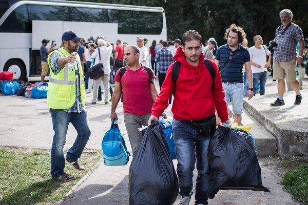 Do Gabčíkova prišli prví azylanti z Rakúska.
