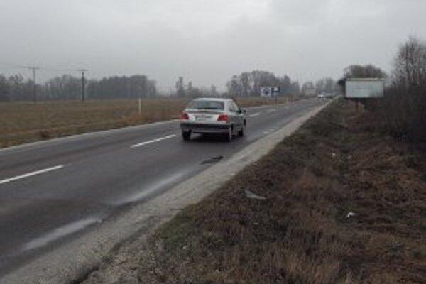Kritizovaná cesta sa dočká opravy.