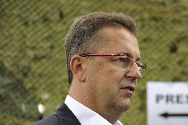 Minister obrany SR Martin Glváč v stredu v americkom Norfolku podpísal memorandum o porozumení.