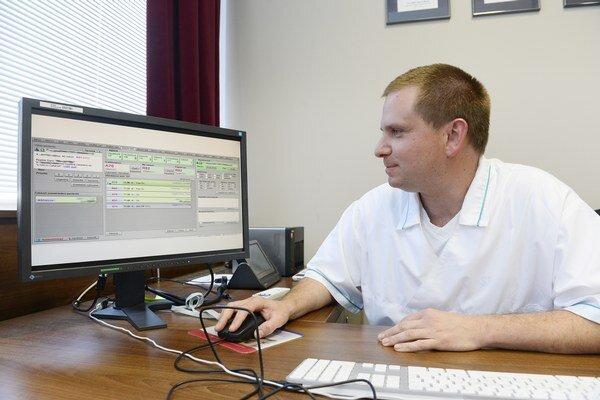 Elektronické zdravotníctvo môže zlyhať, pretože nie všetci lekári napriek predpisom majú pripojenie na internet.